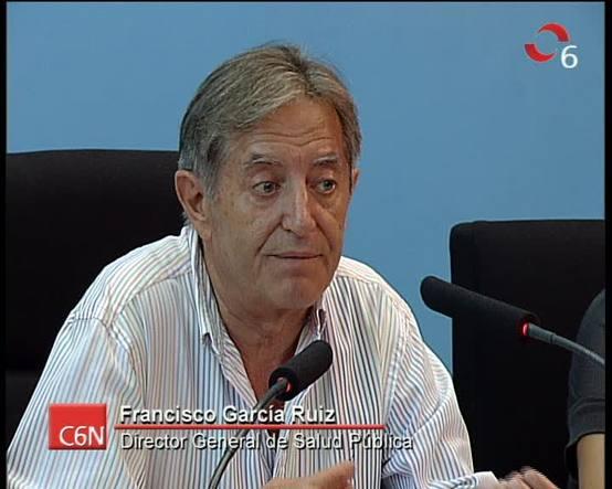 El director general de Salud Pública, Francisco García Ruiz, comenta la incidencia y respuesta de la gripe A