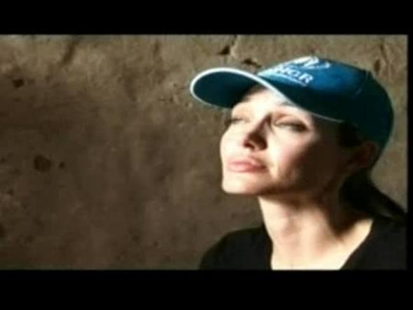 La actriz ha visitado un campamento de refugiados donde sobreviven 20.000 iraquíes sin agua corriente ni alcantarillado